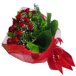 Manisa internetten çiçek satışı  12 adet kirmizi essiz gül buketi - SEVENE ÖZEL