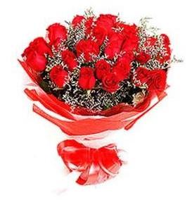 Manisa çiçek siparişi sitesi  12 adet kırmızı güllerden görsel buket