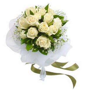 Manisa çiçek siparişi vermek  11 adet benbeyaz güllerden buket