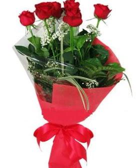 5 adet kırmızı gülden buket  Manisa internetten çiçek satışı