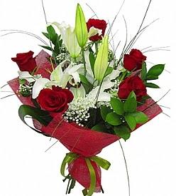 1 dal kazablanka 5 kırmızı gül buketi  Manisa internetten çiçek satışı