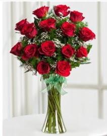 Cam vazo içerisinde 11 kırmızı gül vazosu  Manisa çiçek , çiçekçi , çiçekçilik