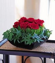 Manisa güvenli kaliteli hızlı çiçek  10 adet kare mika yada cam vazoda gül tanzim