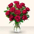 Manisa uluslararası çiçek gönderme  10 adet gül cam yada mika vazo da
