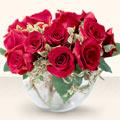 Manisa hediye çiçek yolla  mika yada cam içerisinde 10 gül - sevenler için ideal seçim -