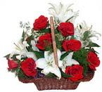 sepette gül ve kazablankalar   Manisa kaliteli taze ve ucuz çiçekler