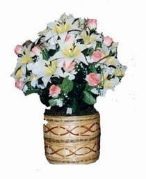yapay karisik çiçek sepeti   Manisa çiçekçi mağazası
