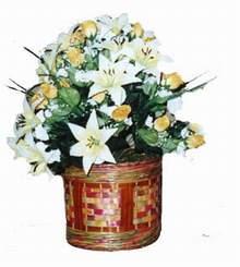 yapay karisik çiçek sepeti   Manisa çiçek gönderme