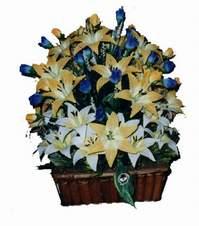 yapay karisik çiçek sepeti   Manisa 14 şubat sevgililer günü çiçek