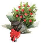 12 adet kirmizi gül buketi   Manisa kaliteli taze ve ucuz çiçekler