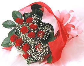 12 adet kirmizi gül buketi  Manisa çiçek yolla