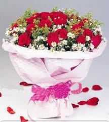 Manisa yurtiçi ve yurtdışı çiçek siparişi  12 ADET KIRMIZI GÜL BUKETI