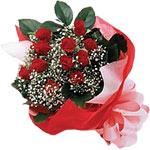 Manisa yurtiçi ve yurtdışı çiçek siparişi  KIRMIZI AMBALAJ BUKETINDE 12 ADET GÜL