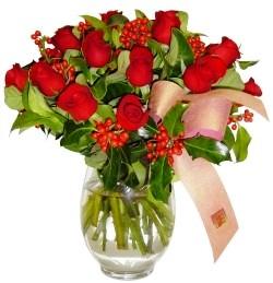 Manisa kaliteli taze ve ucuz çiçekler  11 adet kirmizi gül  cam aranjman halinde