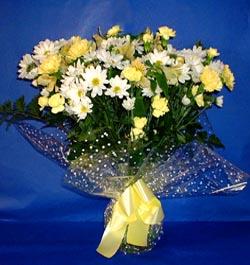 Manisa çiçek mağazası , çiçekçi adresleri  sade mevsim demeti buketi sade ve özel