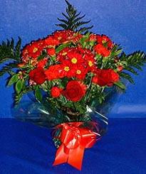 Manisa çiçek mağazası , çiçekçi adresleri  3 adet kirmizi gül ve kir çiçekleri buketi