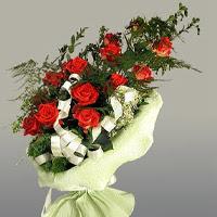 Manisa çiçek servisi , çiçekçi adresleri  11 adet kirmizi gül buketi sade haldedir