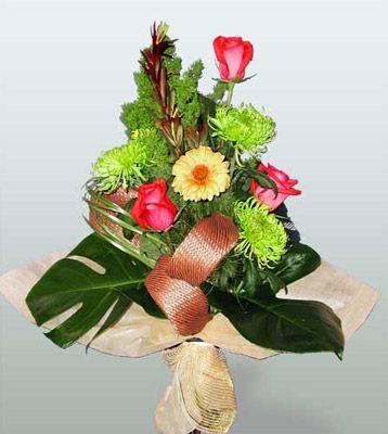 Manisa çiçek servisi , çiçekçi adresleri  3 adet gül 4 adet gerbera çiçegi sade buket
