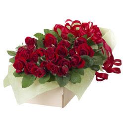 19 adet kirmizi gül buketi  Manisa çiçekçiler