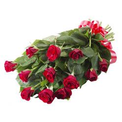 11 adet kirmizi gül buketi  Manisa internetten çiçek siparişi