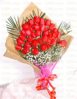 13 adet kirmizi gül buketi   Manisa uluslararası çiçek gönderme