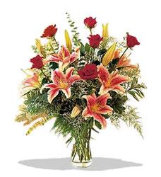Manisa çiçekçi mağazası  Pembe Lilyum ve Gül