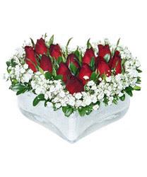 Manisa çiçek yolla , çiçek gönder , çiçekçi   mika kalp içerisinde 9 adet kirmizi gül