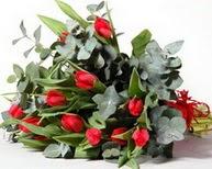 Manisa hediye sevgilime hediye çiçek  11 adet kirmizi gül buketi özel günler için