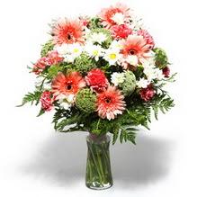 Manisa online çiçekçi , çiçek siparişi  cam yada mika vazo içerisinde karisik demet çiçegi