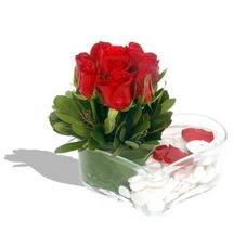 Mika kalp içerisinde 9 adet kirmizi gül  Manisa çiçekçi mağazası