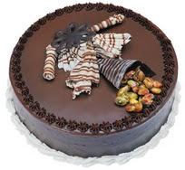 Çikolatali yas pasta 4 ile 6 kisilik  leziz  Manisa çiçek siparişi sitesi