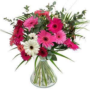 15 adet gerbera ve vazo çiçek tanzimi  Manisa çiçek gönderme sitemiz güvenlidir