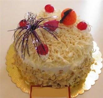 pasta siparisi 4 ile 6 kisilik yaspasta mis lezzette  Manisa anneler günü çiçek yolla