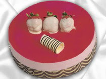pasta siparisi 4 ile 6 kisilik yas pasta çilekli yaspasta  Manisa çiçekçi mağazası