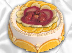 leziz pastane 4 ile 6 kisilik yas pasta meyvali yaspasta  Manisa internetten çiçek satışı