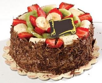pastaci firmasindan 4 ile 6 kisilik çikolata meyvali yaspasta  Manisa güvenli kaliteli hızlı çiçek