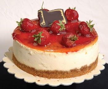 online pastaci 4 ile 6 kisilik yas pasta çilekli  Manisa güvenli kaliteli hızlı çiçek