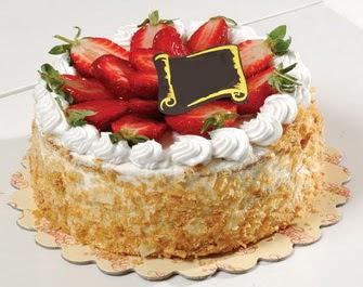 uygun pastaneler 4 ile 6 kisilik çilekli yas pasta lezzetli  Manisa İnternetten çiçek siparişi