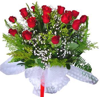 11 adet gösterisli kirmizi gül buketi  Manisa yurtiçi ve yurtdışı çiçek siparişi