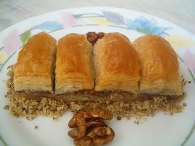 online pastane Essiz lezzette 1 kilo cevizli baklava  Manisa çiçek yolla