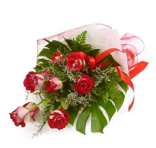 çiçek gönder 7 adet kirmizi gül buketi  Manisa internetten çiçek satışı