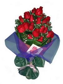 12 adet kirmizi gül buketi  Manisa çiçek gönderme sitemiz güvenlidir