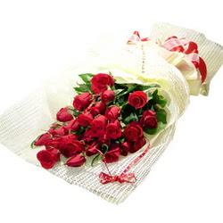 Çiçek gönderme 13 adet kirmizi gül buketi  Manisa hediye sevgilime hediye çiçek