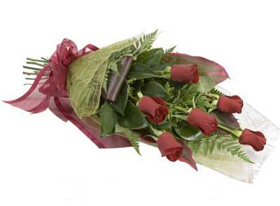 ucuz çiçek siparisi 6 adet kirmizi gül buket  Manisa güvenli kaliteli hızlı çiçek