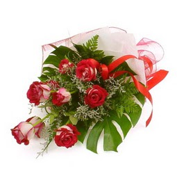 Çiçek gönder 9 adet kirmizi gül buketi  Manisa İnternetten çiçek siparişi