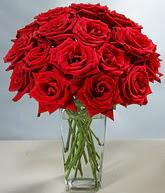 Manisa kaliteli taze ve ucuz çiçekler  cam vazoda 11 kirmizi gül  Manisa ucuz çiçek gönder