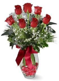 7 adet vazoda gül  Manisa yurtiçi ve yurtdışı çiçek siparişi  kirmizi gül