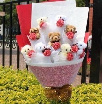 Manisa İnternetten çiçek siparişi  9 adet ayicik ve 9 adet yapay gül