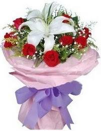 9 adet kirmizi gül 1 adet kazablanka buketi  Manisa kaliteli taze ve ucuz çiçekler