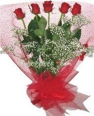 5 adet kirmizi gülden buket tanzimi  Manisa uluslararası çiçek gönderme